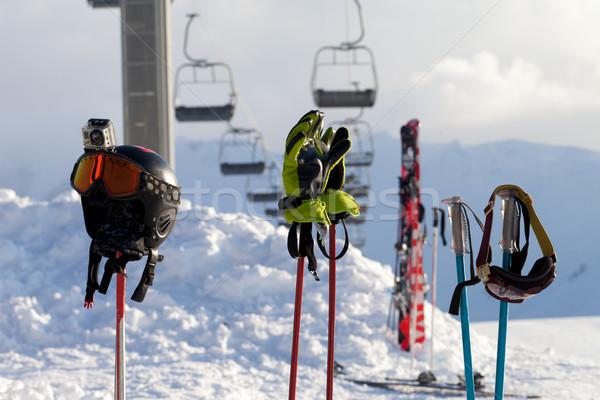 Spor malzemeleri Kayak başvurmak araba güneş Stok fotoğraf © BSANI