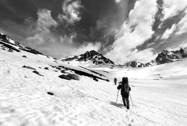 Iki hikers kar plato Türkiye dağlar Stok fotoğraf © BSANI