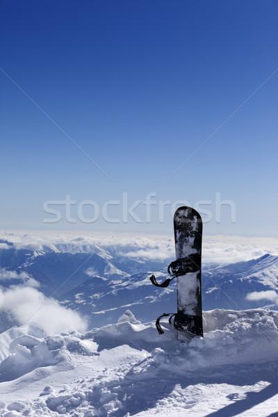 Snowboard sneeuw helling zon dag kaukasus Stockfoto © BSANI
