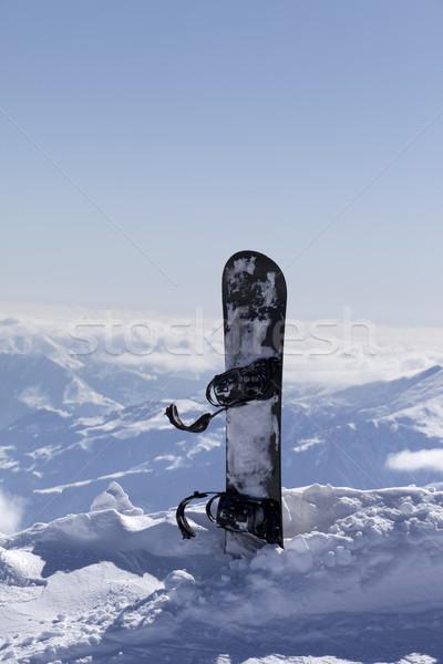 Planche à neige neige pente soleil jour caucase Photo stock © BSANI