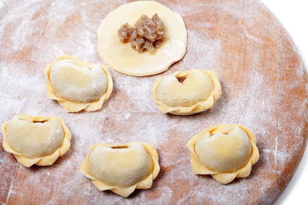Eigengemaakt ravioli keuken boord achtergrond Stockfoto © BSANI