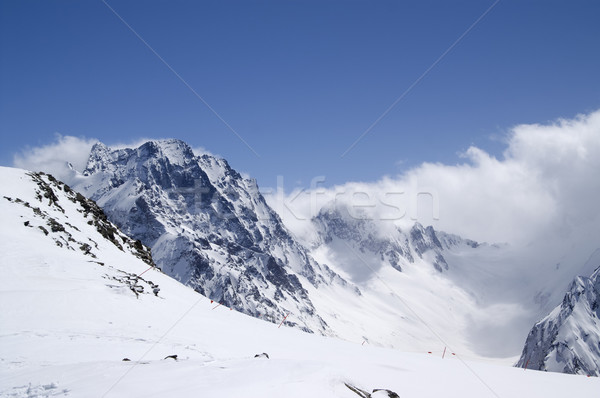 Narciarskie resort kaukaz góry niebo krajobraz Zdjęcia stock © BSANI