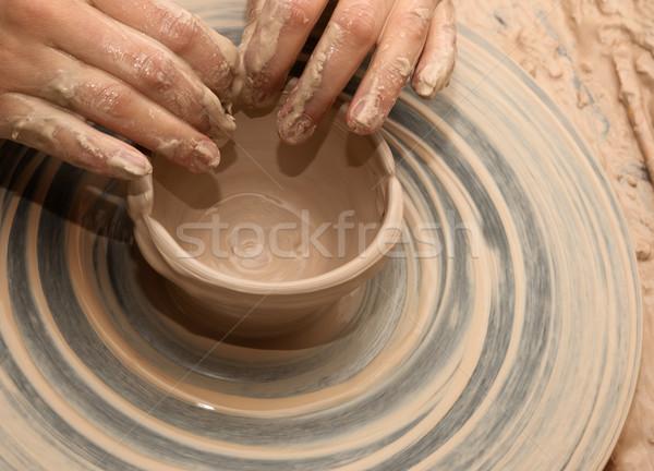 Nő folyamat készít agyag tál cserépedények Stock fotó © BSANI