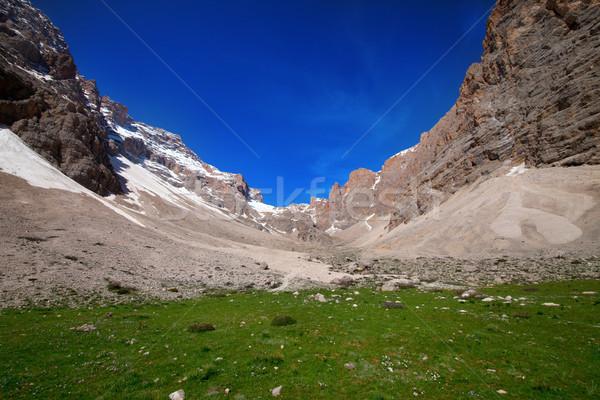 キャンプ 場所 山 トルコ セントラル 山 ストックフォト © BSANI