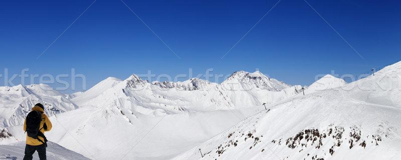 Snowboarder panoramica view sci resort nice Foto d'archivio © BSANI