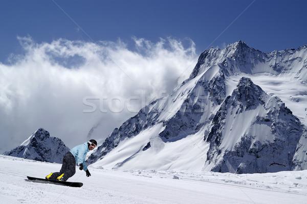 Snowbordos emelkedő Kaukázus hegyek természet hegy Stock fotó © BSANI