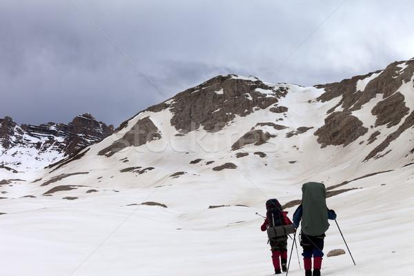 Dos excursionistas meseta tormenta Turquía central Foto stock © BSANI