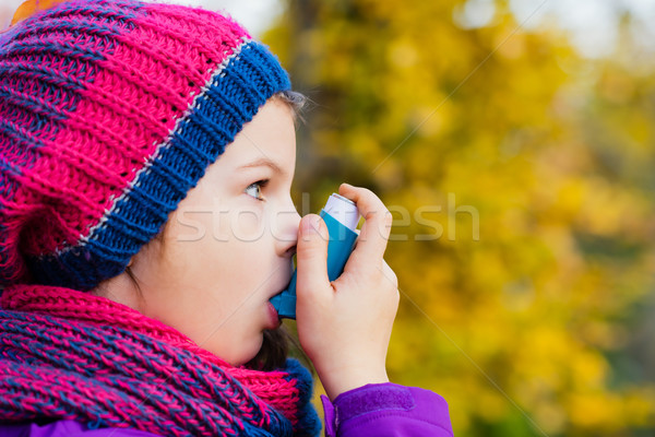 Fille automne jour asthme attaquer Photo stock © bubutu