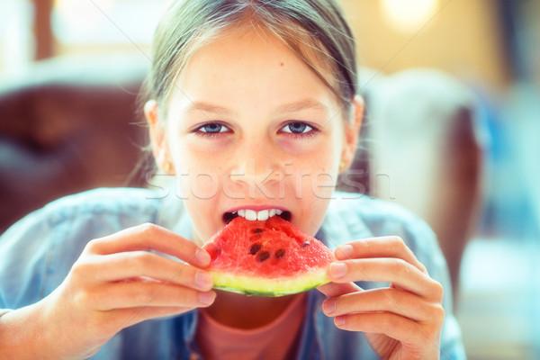Stock fotó: Fiatal · lány · eszik · görögdinnye · lány · fiatal · gyönyörű · lány