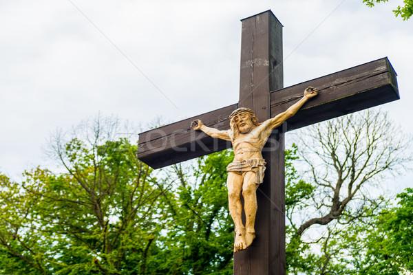 Jezusa Chrystusa wiszący krzyż przydrożny krucyfiks Zdjęcia stock © bubutu