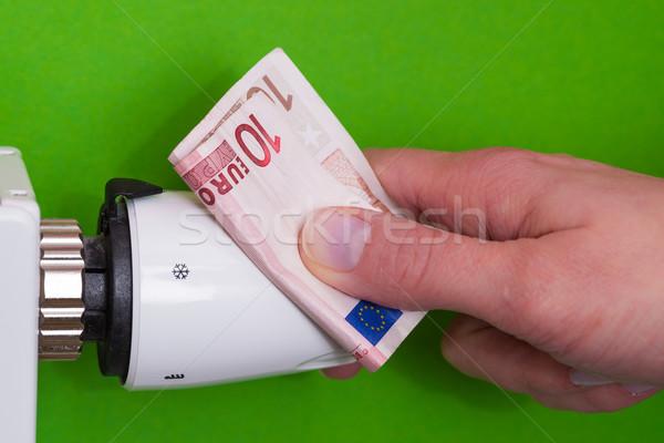 Radyatör termostat el yeşil Stok fotoğraf © bubutu