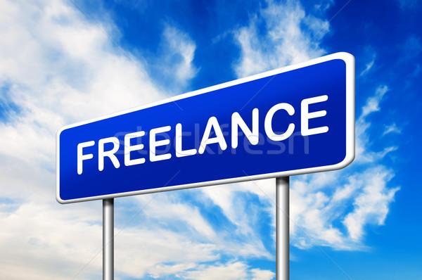 Freelance verkeersbord blauwe hemel werk achtergrond teken Stockfoto © burtsevserge