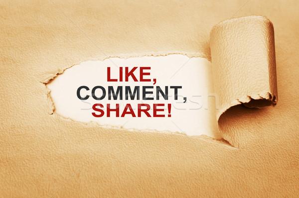 Como comentario escrito detrás papel rasgado ordenador Foto stock © burtsevserge
