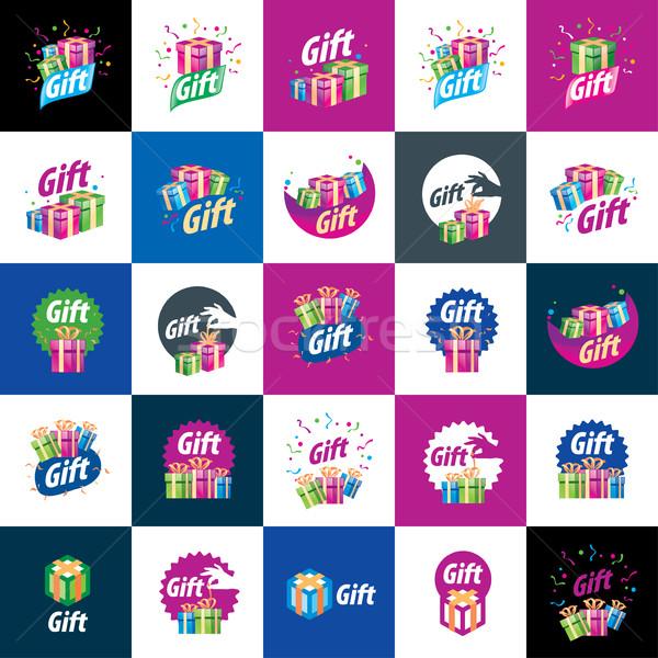 Vektör logo kutu hediyeler soyut Stok fotoğraf © butenkow