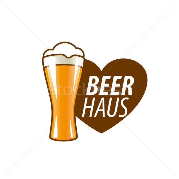 Vector cerveza logo plantilla vidrio corazón Foto stock © butenkow