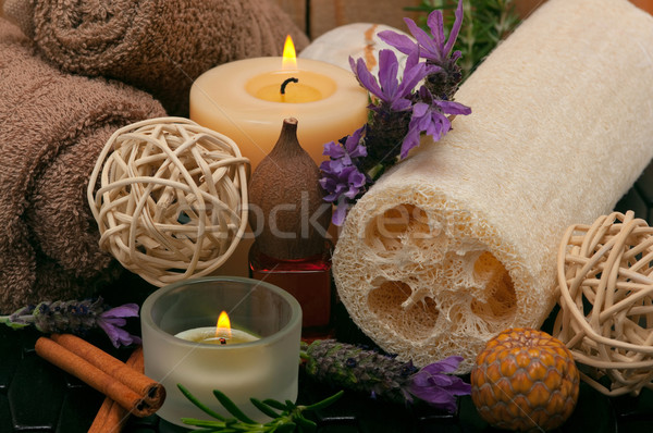 Spa aromatico candele lavanda olio da massaggio cotone Foto d'archivio © BVDC