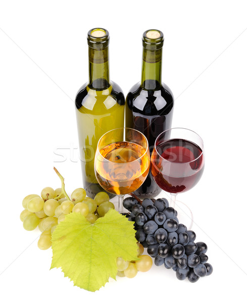 бутылку вина стекла виноград изолированный белый продовольствие Сток-фото © byrdyak