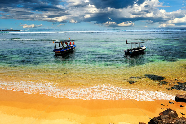 Buque playa tropical playa sol paisaje azul Foto stock © byrdyak