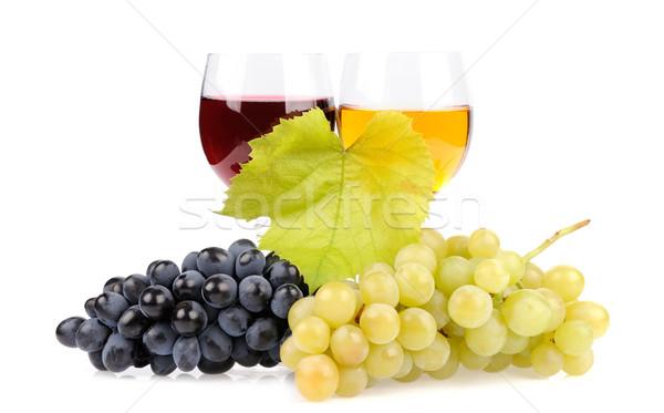 Ramo uve vetro vino isolato bianco Foto d'archivio © byrdyak