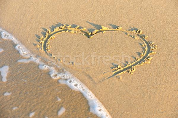 сердце песок пляж природы пейзаж Сток-фото © byrdyak