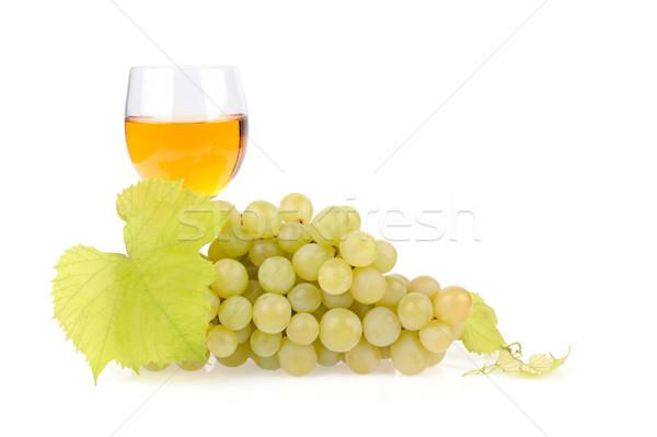 şube üzüm cam şarap yalıtılmış beyaz Stok fotoğraf © byrdyak
