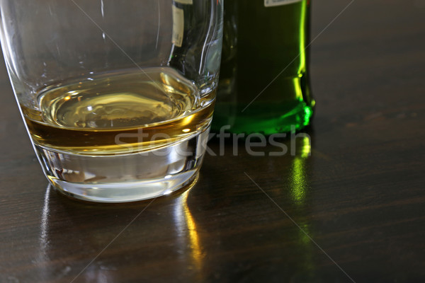 Mout klein bedrag whisky vergadering tabel Stockfoto © ca2hill
