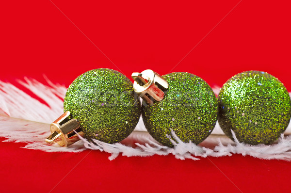 Navidad pelota rojo vidrio fondo verde Foto stock © Calek