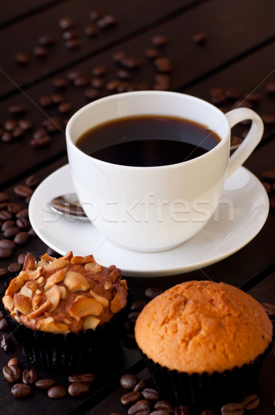 Café deux muffin table table en bois Photo stock © calvste