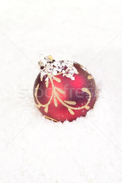 Vermelho natal bugiganga um neve inverno Foto stock © calvste