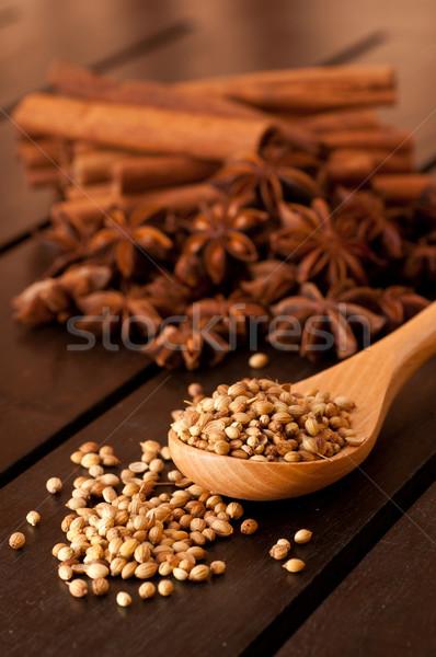 Coriandolo legno cucchiaio spezie alimentare frutta Foto d'archivio © calvste