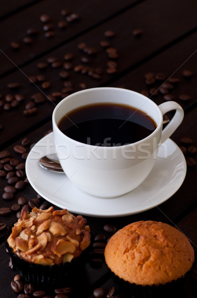 Stok fotoğraf: Kahve · iki · çörek · tablo · ahşap · masa · gıda