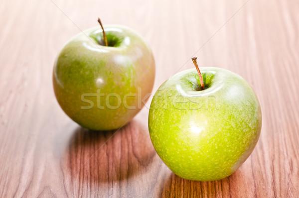 два яблоки деревянный стол свежие продовольствие древесины Сток-фото © calvste