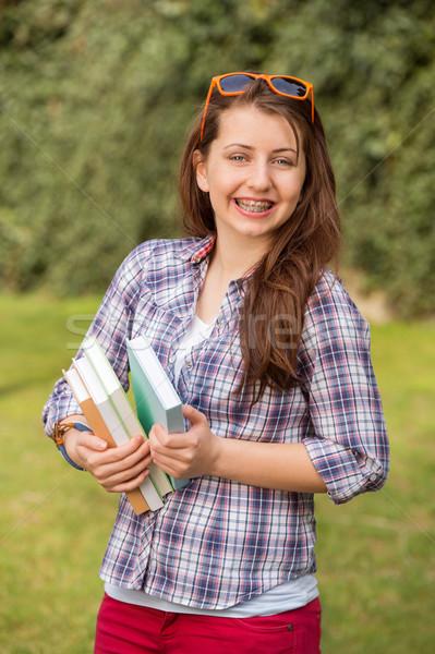 Vrolijk student bretels boeken buiten Stockfoto © CandyboxPhoto