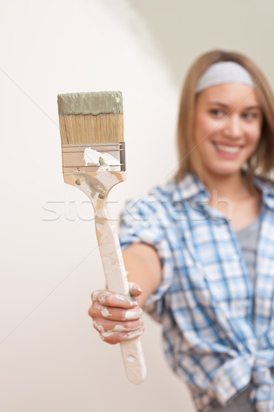 Home improvement jonge vrouw penseel focus hand home Stockfoto © CandyboxPhoto