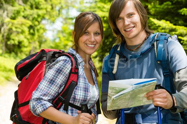 Portrait trekking couple carte souriant fille Photo stock © CandyboxPhoto
