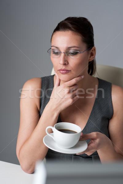 Réussi exécutif femme d'affaires bureau pause café femme Photo stock © CandyboxPhoto