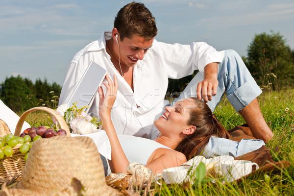 Сток-фото: пикника · романтические · пару · весны · природы