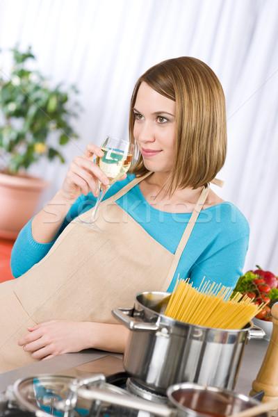 Сток-фото: приготовления · спагетти · вино · печи · итальянский