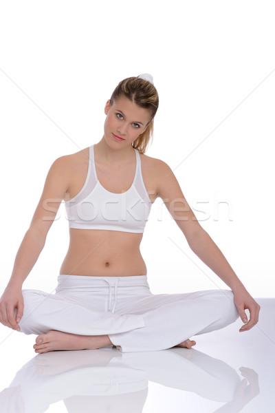 Photo stock: Fitness · jeune · femme · yoga · poste · blanche · détente