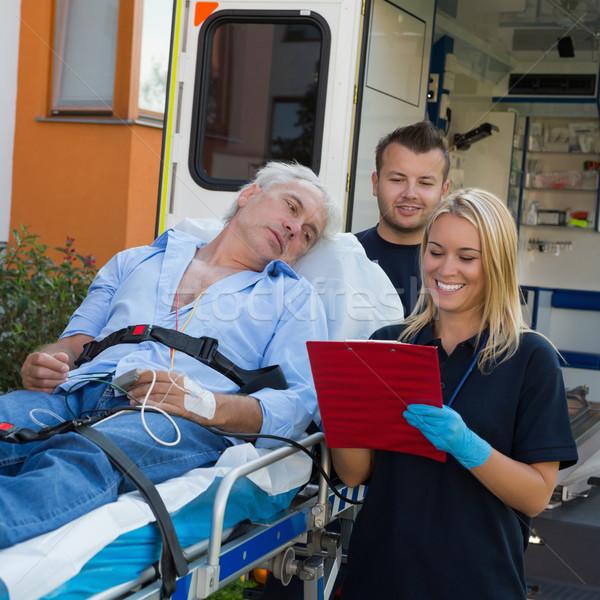 Awaryjne zespołu pacjenta ranny starszych medycznych Zdjęcia stock © CandyboxPhoto