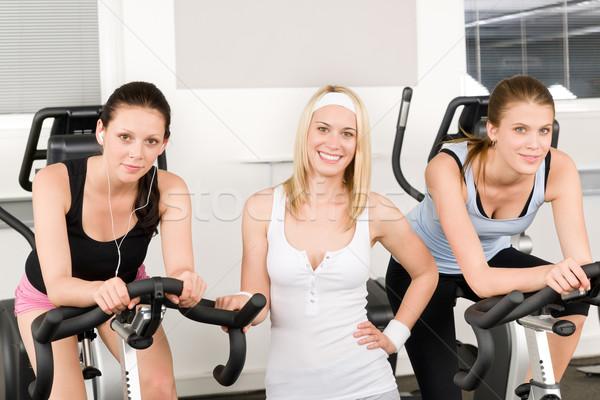 Stock foto: Fitness · jungen · Mädchen · Fitnessstudio · posiert · Fahrrad