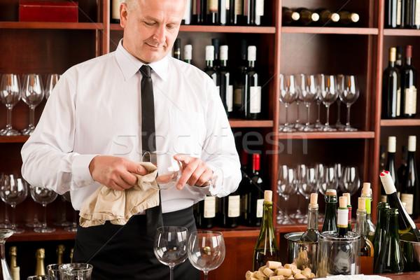 Stockfoto: De · ober · schone · glas · restaurant · bar