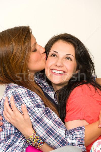 Nina beso mejores amigos cara juguetón adolescentes Foto stock © CandyboxPhoto