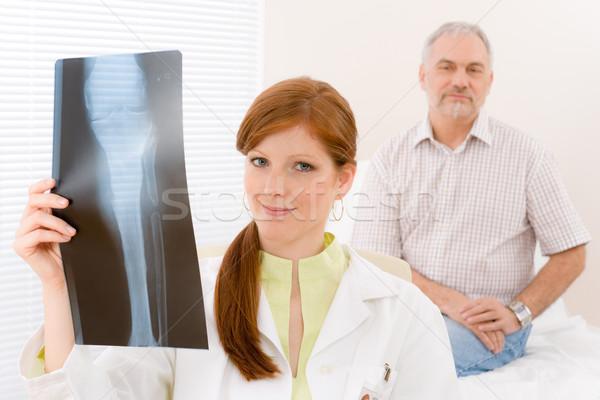 Orvos iroda női orvos beteg röntgen Stock fotó © CandyboxPhoto