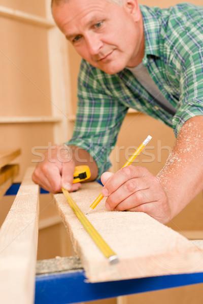 Ezermester lakásfelújítás közelkép méret fa fa deszka Stock fotó © CandyboxPhoto
