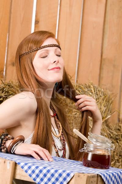 赤毛 ヒッピー 若い女性 朝食 納屋 小さな ストックフォト © CandyboxPhoto