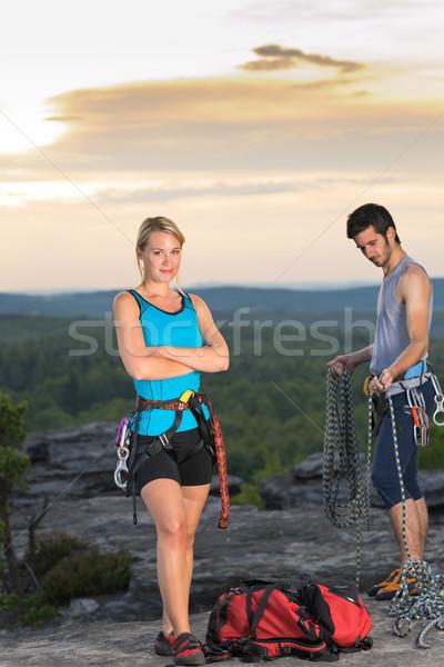 Rotsklimmen actief mensen top zonsondergang Stockfoto © CandyboxPhoto