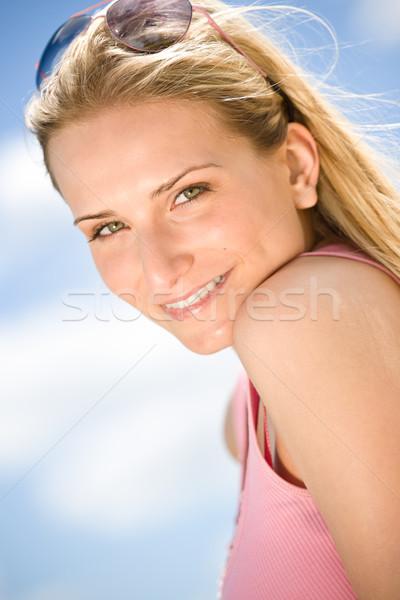 Retrato loiro mulher verão céu desfrutar Foto stock © CandyboxPhoto