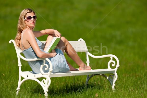 Stockfoto: Voorjaar · zomer · jonge · vrouw · ontspannen · weide · blond