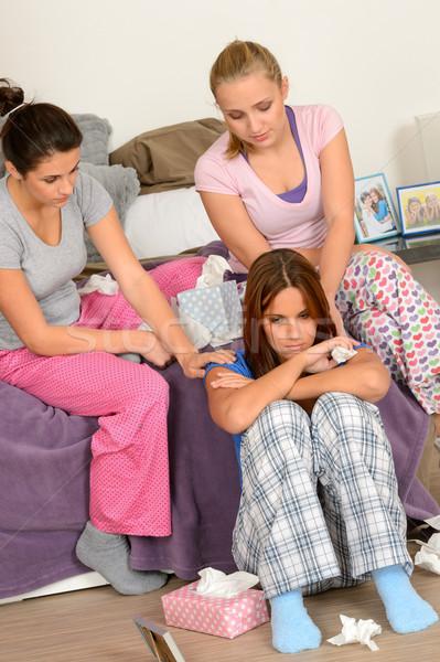 Genç kızlar konfor ağlayan arkadaş yatak odası Stok fotoğraf © CandyboxPhoto